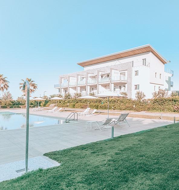 silvi-marina-piscina-comfort-le-dune-esterni-relax