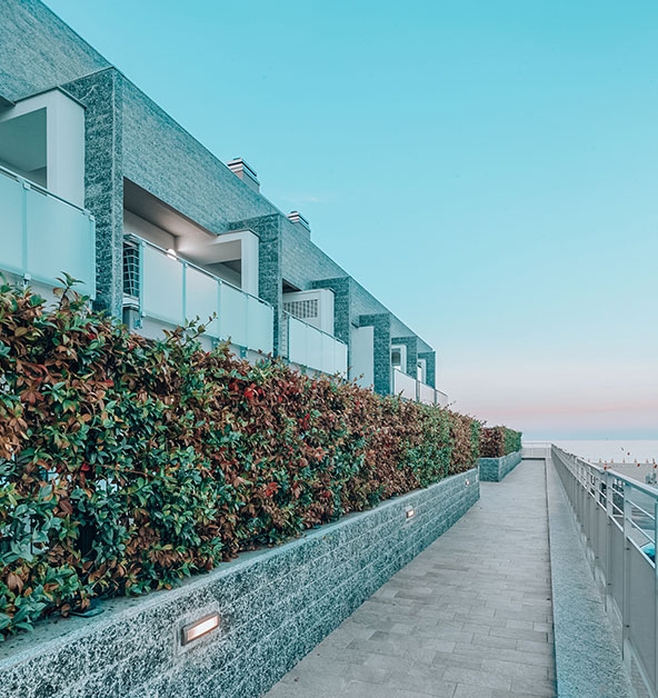 Giardini-pensili-decorazioni-siepi-Le-Dune-Silvi-Marina