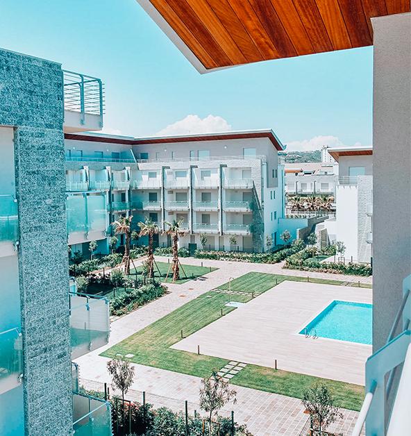 vista-piscina-giardino-privato-le-dune-silvi-marina
