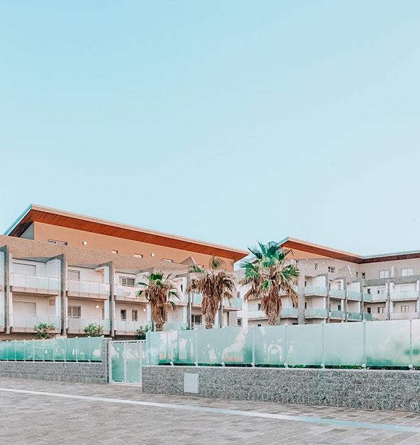 ingresso-piscina-condominiale-interna-lotto-B-dettaglio-architettonico-Le-Dune-Silvi-Marina