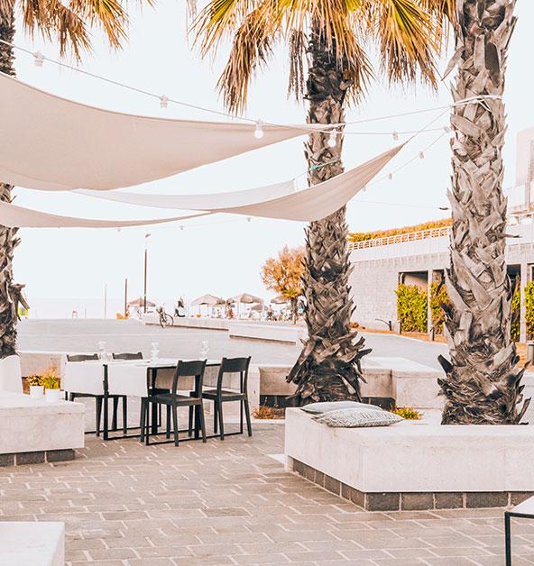 Dettaglio-sedute-Alusea-Bistrot-cena-aperitivo-vista-mare-Le-Dune-Silvi-Marina