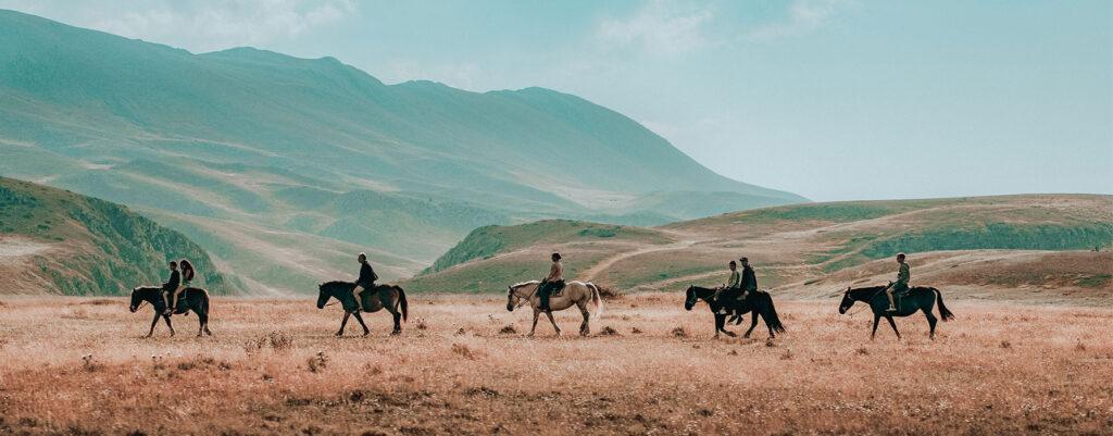 parco-nazionale-abruzzo-le-dune-silvi-marina-escursioni-cavallo